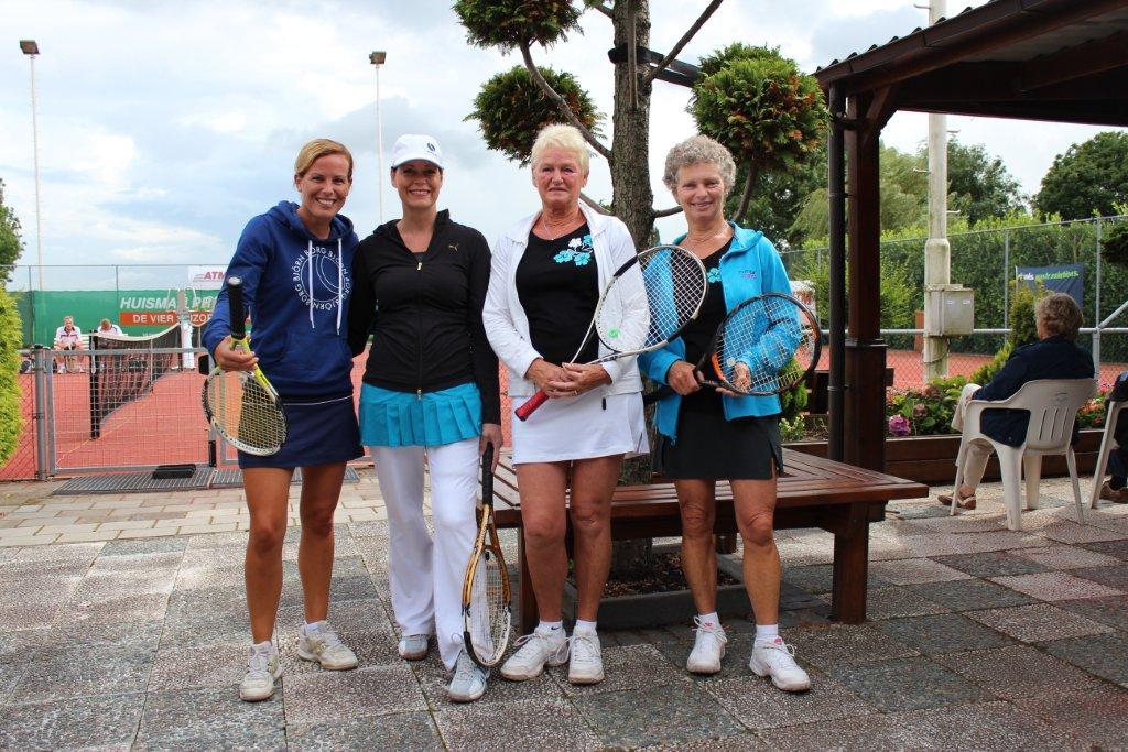 Finalisten Open Toernooi 2012 - Finalisten DD 6 2012 - Geerte Goudriaan en Marielle Neelen vs Thea Hinten en Marianne van Schendel