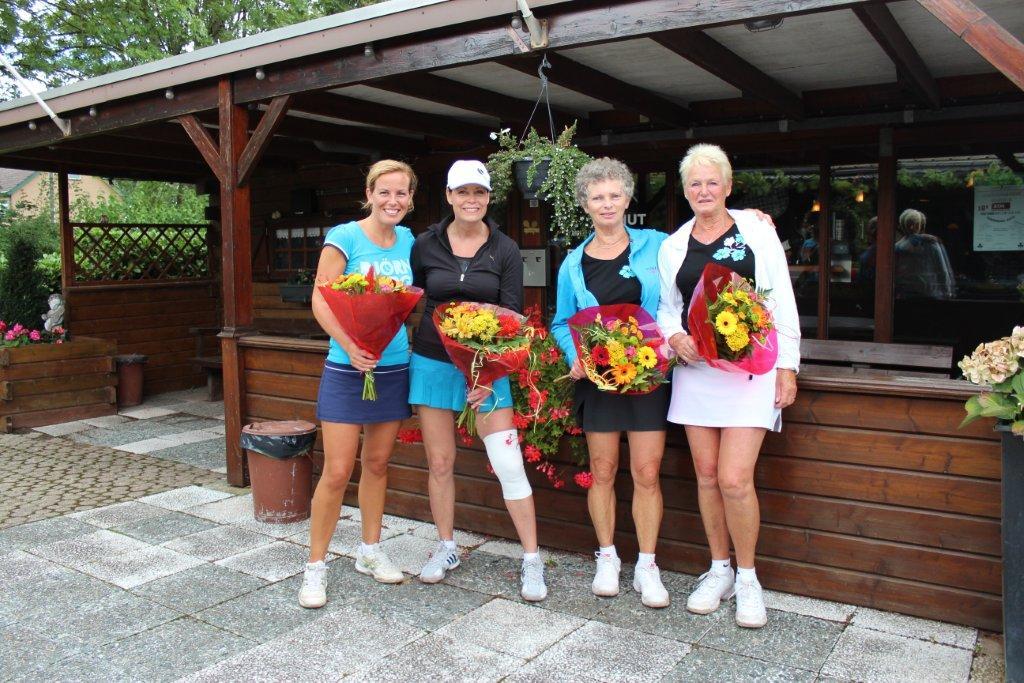 Finalisten Open Toernooi 2012 - Winnaars DD 6 2012 - Thea Hinten en Marianne van Schendel